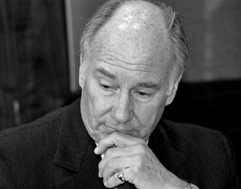 "The Aga Khan pictured during a panel discussion on ""Design in the Islamic World and Its Impact Beyond"", held at the National Building Museum on January 26, 2005, following the Vincent Scully Award ceremony that was held the previous evening. Photo: Vivian Rozsa, Washington D,C."