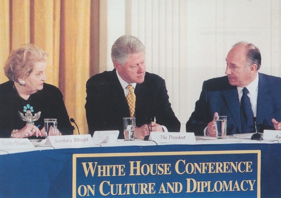 Secretary of State Madeleine Albright and President Bill Clinton with His Highness the Aga Khan at the first White House conference on culture and diplomacy which was convened by President and Mrs. Clinton on November 28th, 2000. The Aga Khan was among the distinguished panelists invited to advise the president, and secretary of state on the role of culture in foreign policy. Photo: Official White House Photo.