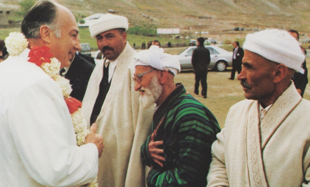 19950522-31_Aga Khan Visit to Central Asia Received by Jamati leaders in Khorog The Ismaili Special Issue