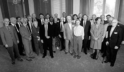 Mohamed Arkoun with speakers of the Frontiers of the Mind Symposium in 1999 at the US Library of Congress