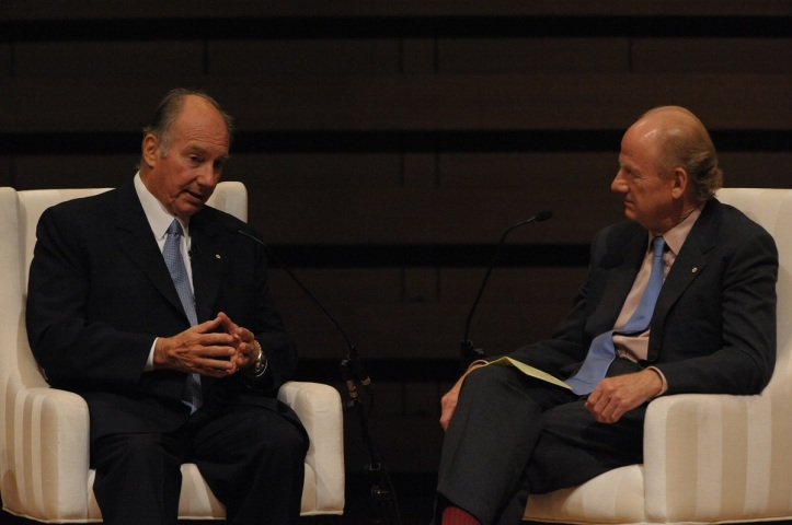 His Highness the Aga Khan and Mr John Ralston Saul, prominent Canadian essayist and novelist during a conversation on the challenges of pluralism which followed the lecture. AKDN / Zahur Ramji