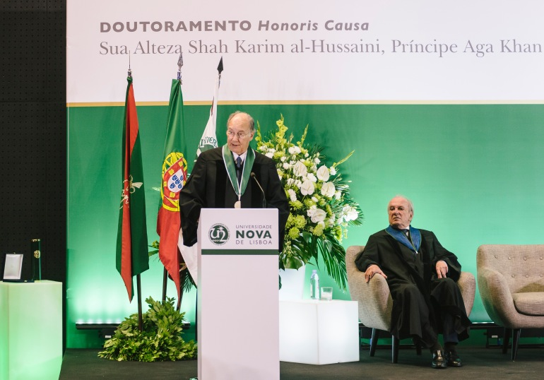 His Highness the Aga Khan delivers his acceptance remarks upon receiving an Honorary Doctorate from Universidade NOVA de Lisboa as Dr. Francisco Pinto Balsemão, Patron of the Doctorate looks on. | AKDN/Antonio Pedrosa