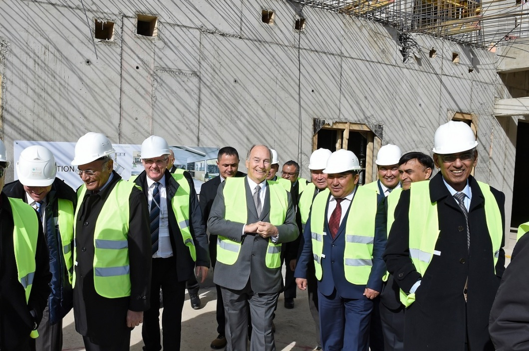 Aga Khan reviews progress of University of Central Asia's Naryn Campus in 2014. The campus was inaugurated in October 2016.