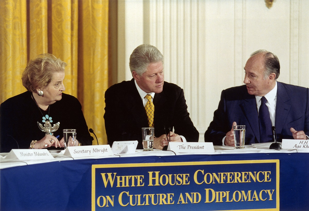 Aga Khan at White House Conference on Culture and Diplomacy 2000-11-USA-24443-s