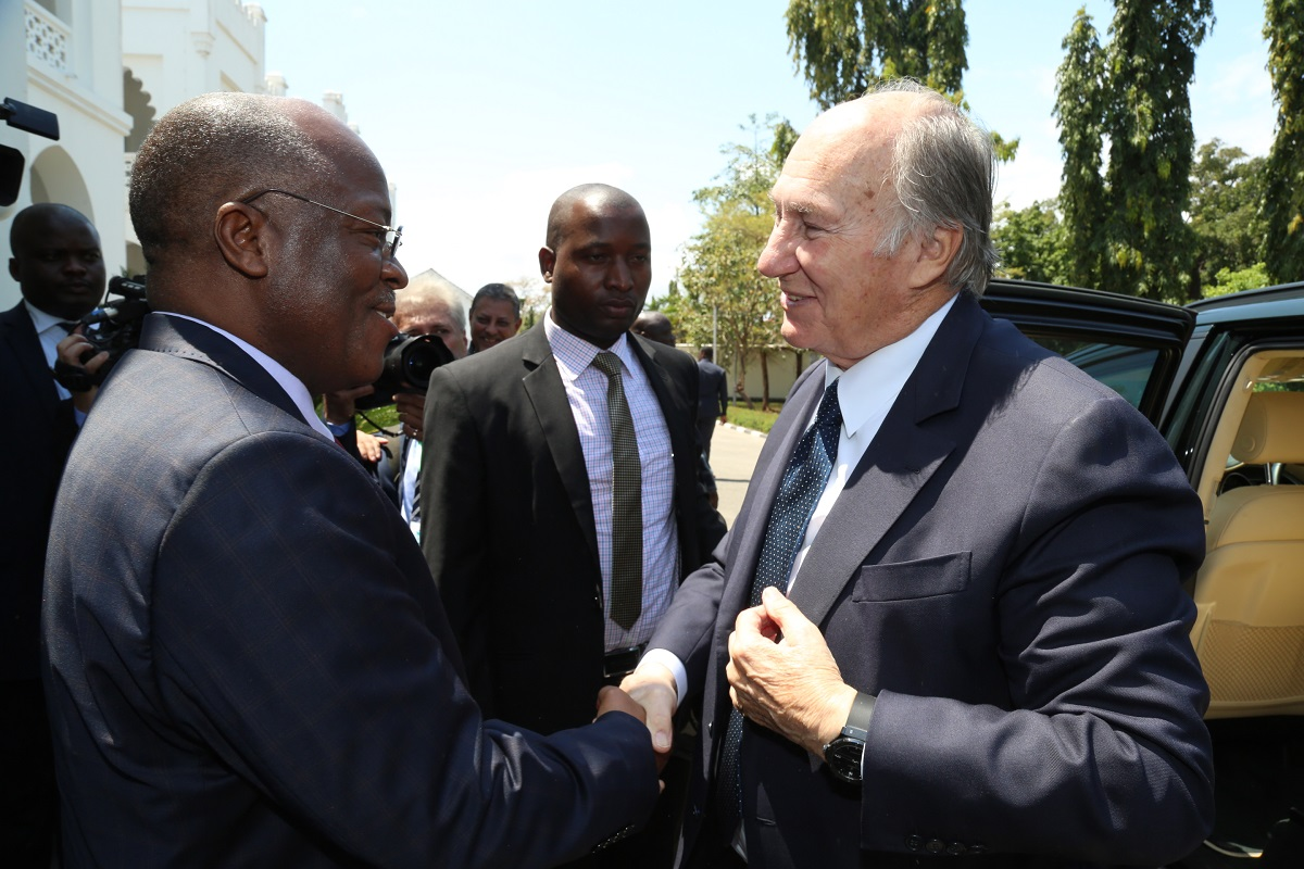 Highness the Aga Khan, was in Tanzania at the invitation of His Excellency President of the United Republic of Tanzania Dr. John P. Magufuli