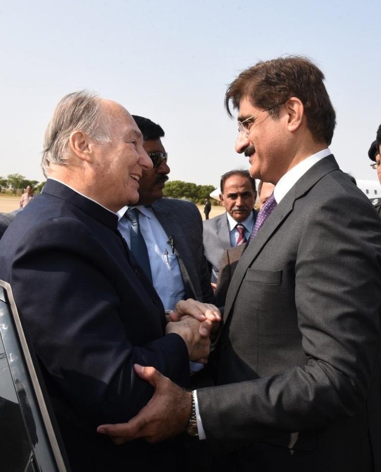Sindh Chief Minister bids farewll to Aga Khan