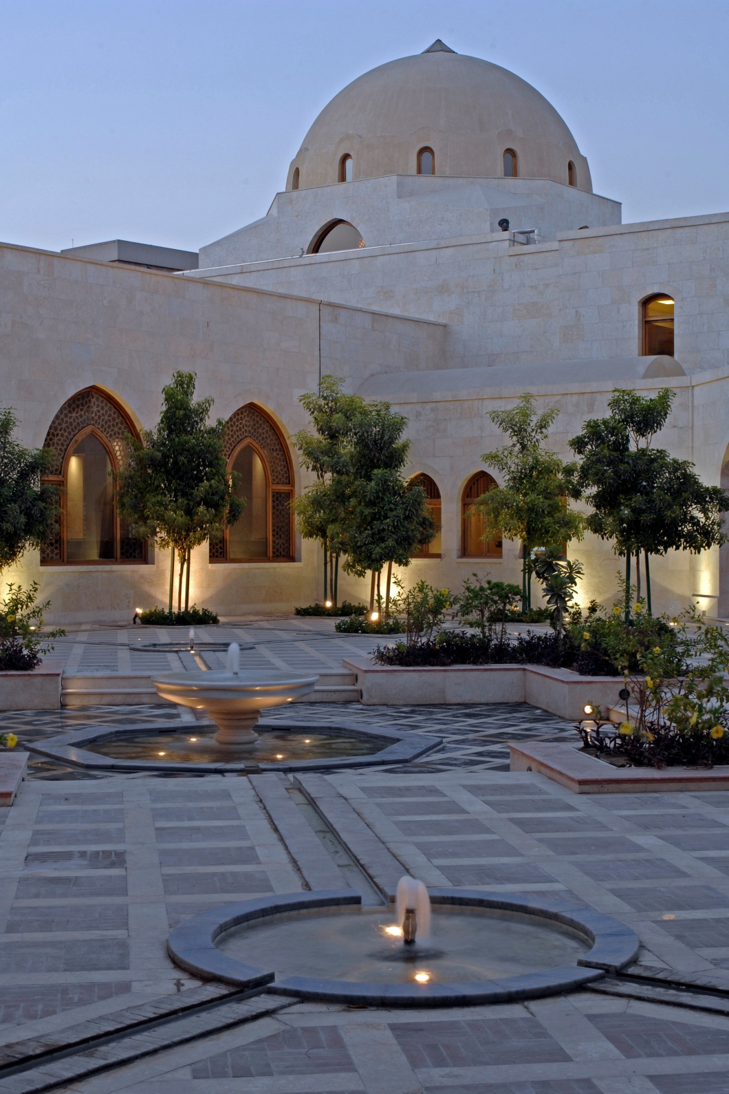 Ismaili Centre Dubai 01.jpg