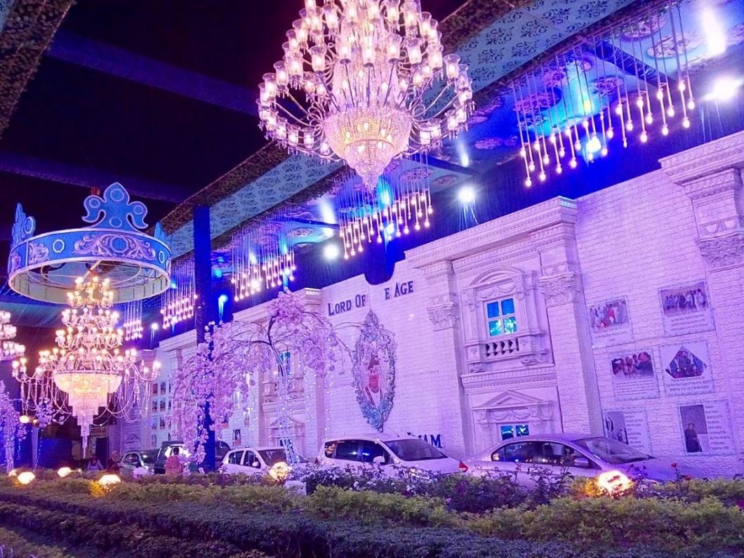 2018-02-26-PHOTO-Decorations in a Mumbai Jamatkhana Aga Khan Visit