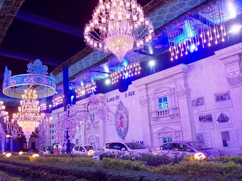 2018-02-26-PHOTO-Decorations in a Mumbai Jamatkhana Aga Khan Visit