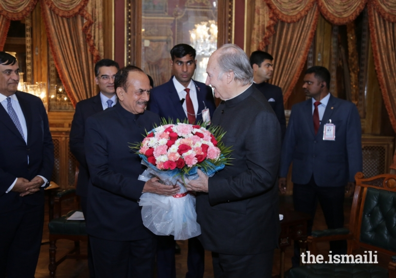 Aga Khan Diamond Jubilee Visit India Flowers 015