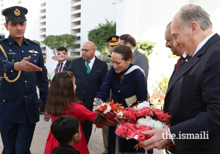 Princess Zahra Aga Khan Diamond Jubilee Visit Pakistan Flowers 004