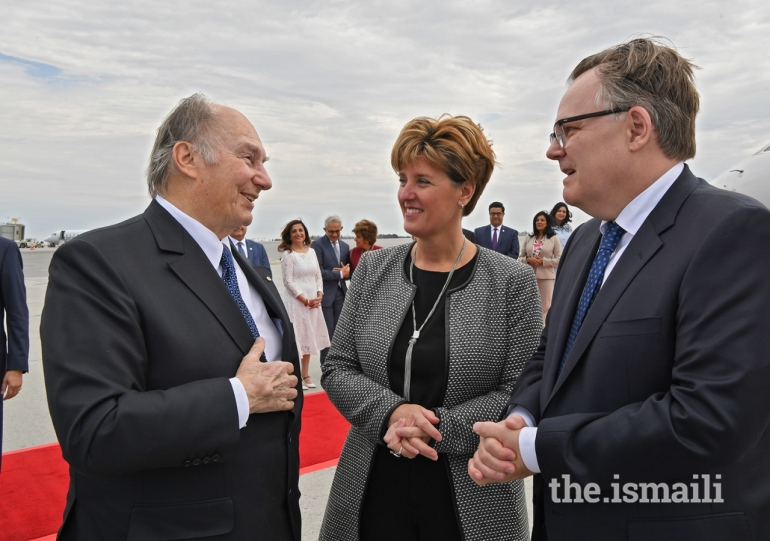 20180501zr1_edt1press_0346_Aga Khan welcomes by Canadian government leaders