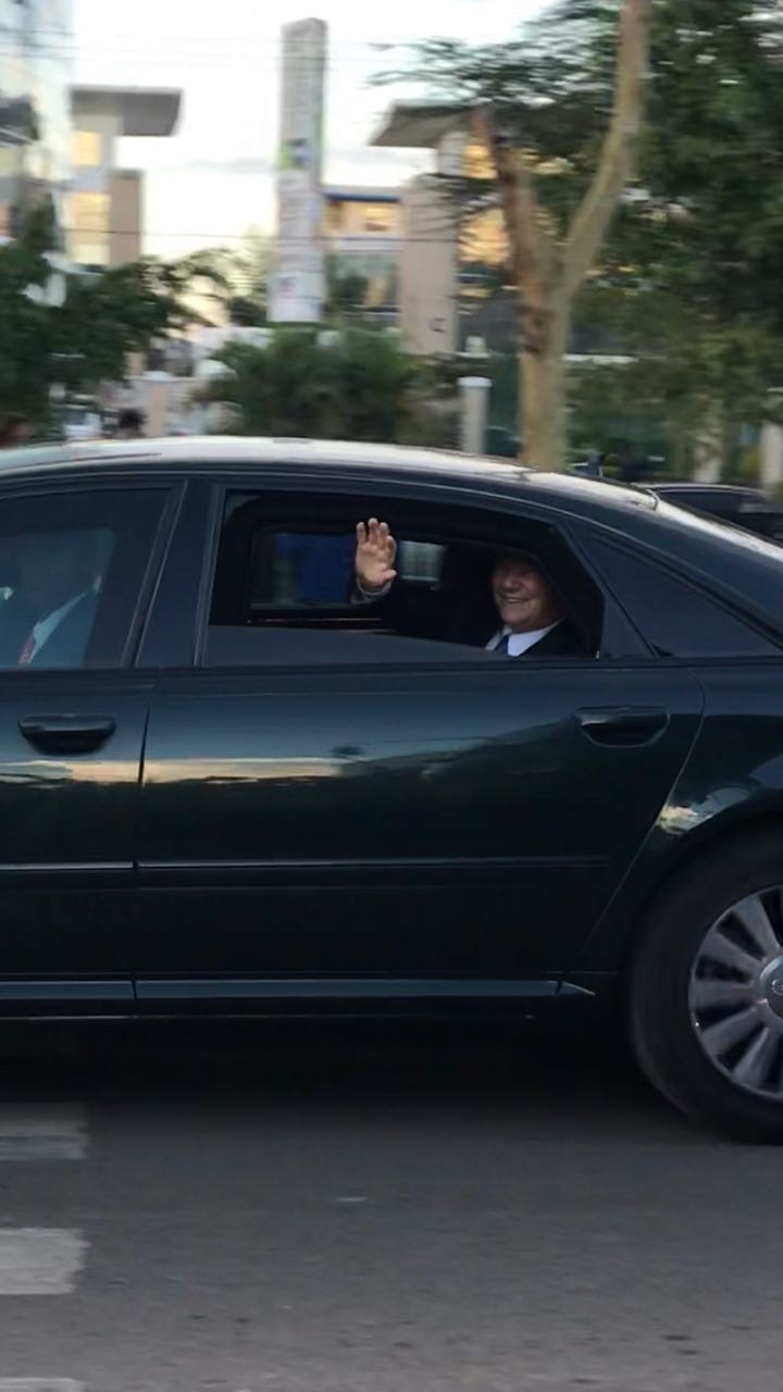 Aga Khan Diamond Jubilee Kenya waves as his motorcade passes a street in Nairobi 2