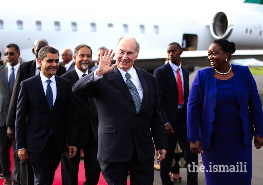 Aga Khan upon his arrival in Nairobi for his Diamond Jubilee