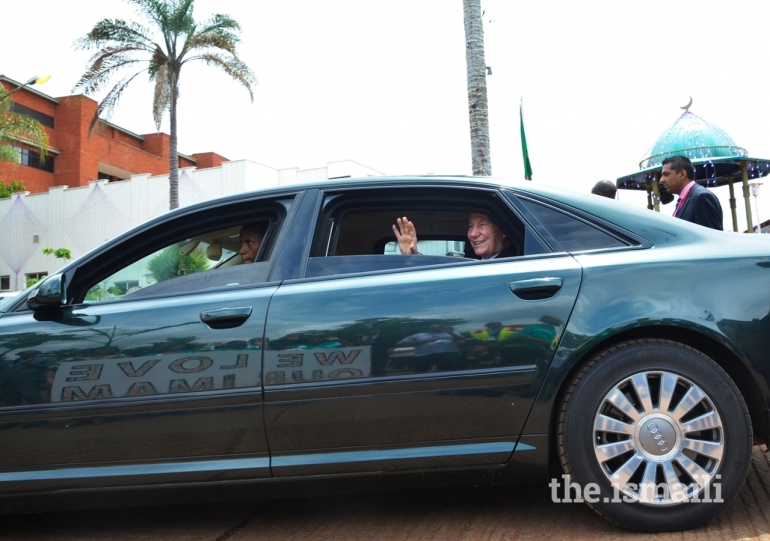 dsc_0340-1_-_hussein_jiva_1_Mawlana Hazar Imam-Aga Khan-Darbar-Nairobi Diamond Jubilee