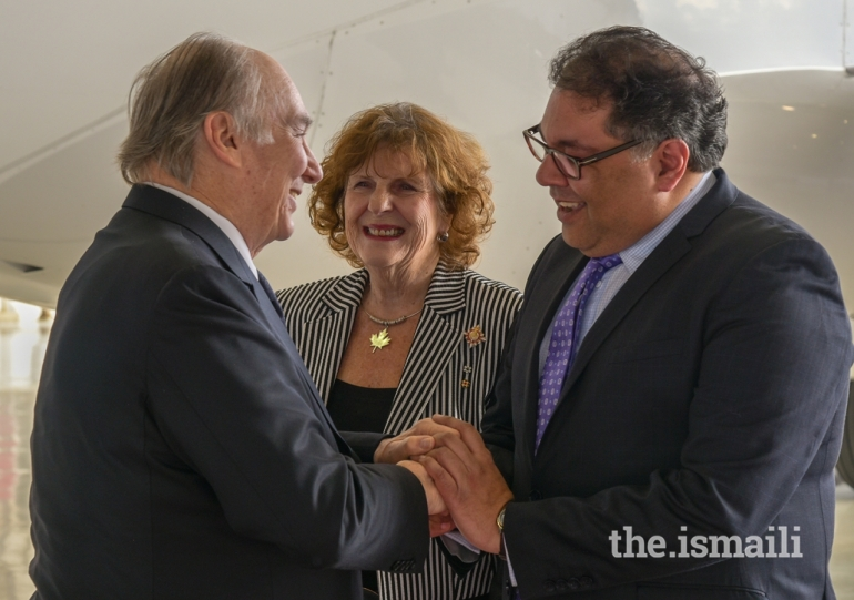 dsc_9572_20180507_Aga Khan greeted by Mayor Naheed Nenshi