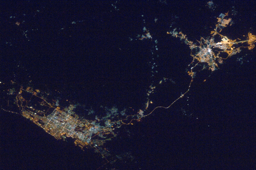 ISS016-E-16189_Mecca and Jeddah at night from the Space