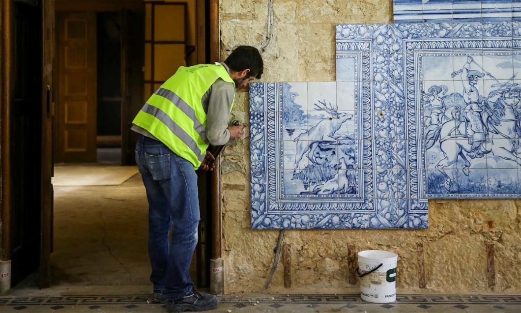 Seat of Imamat Palacete Mendonca Restoration 001