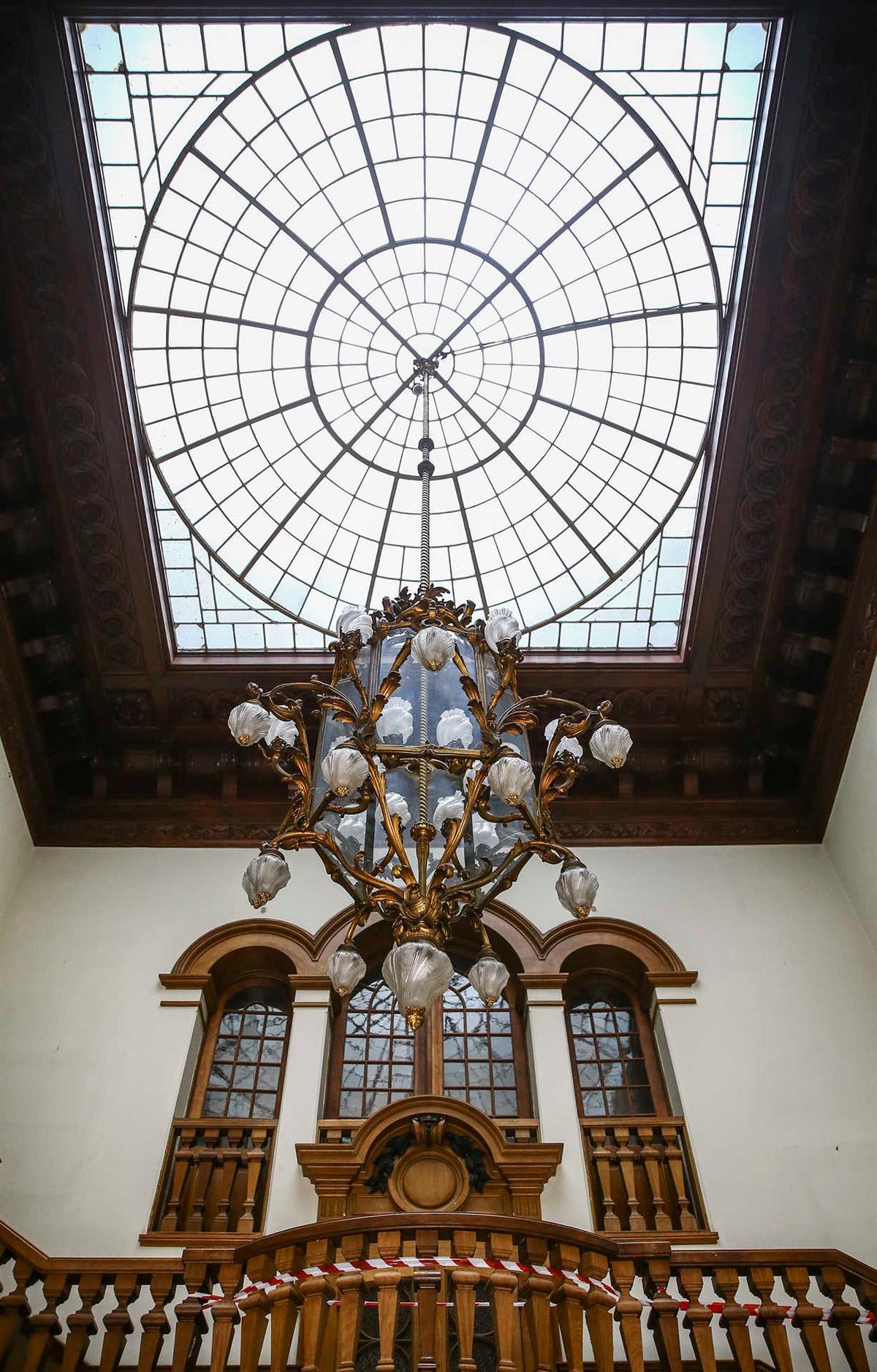 Seat of Imamat Palacete Mendonca Restoration 015