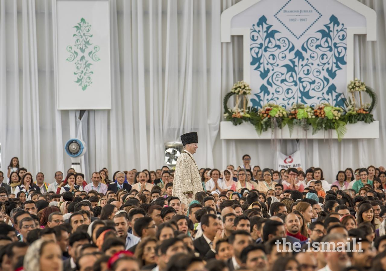 _zaf4731-2-Mawlana Hazar Imam-Aga Khan-Darbar-Nairobi Diamond Jubilee