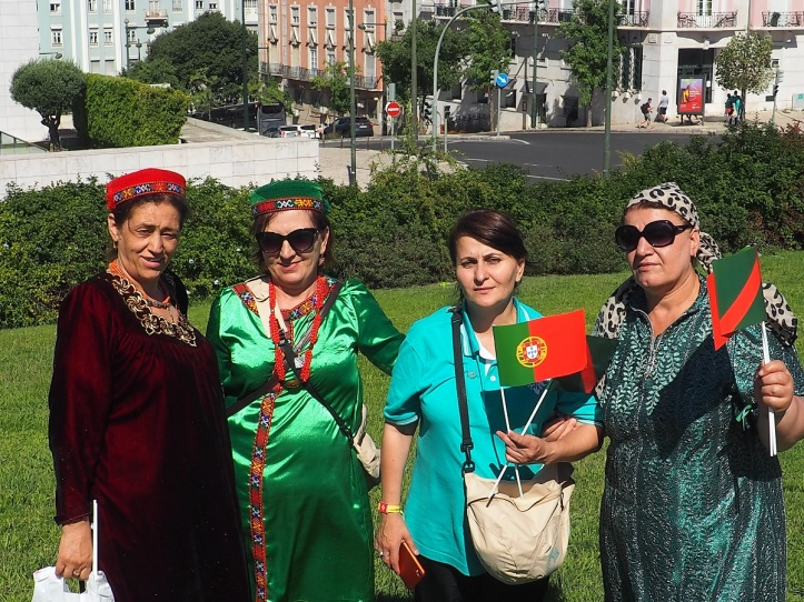 Ismailis at Park to welcome Hazar Imam to Lisbon