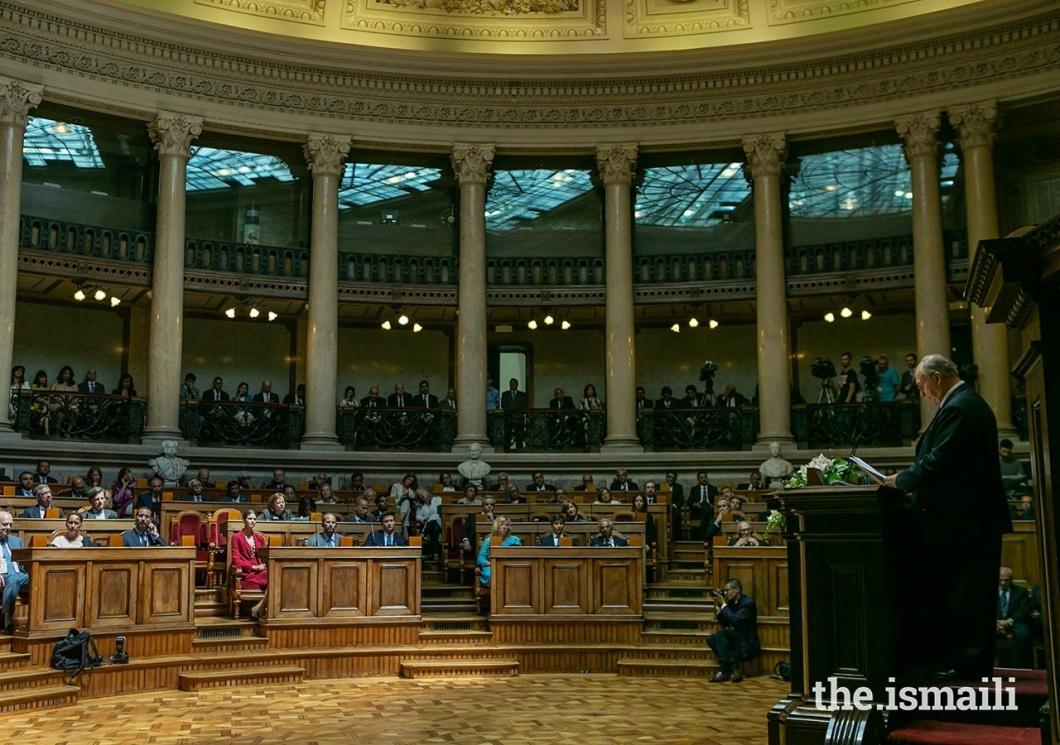 mo_govindji_Aga Khan Diamond Jubilee Portuguese parliament_address_july_10_-0494