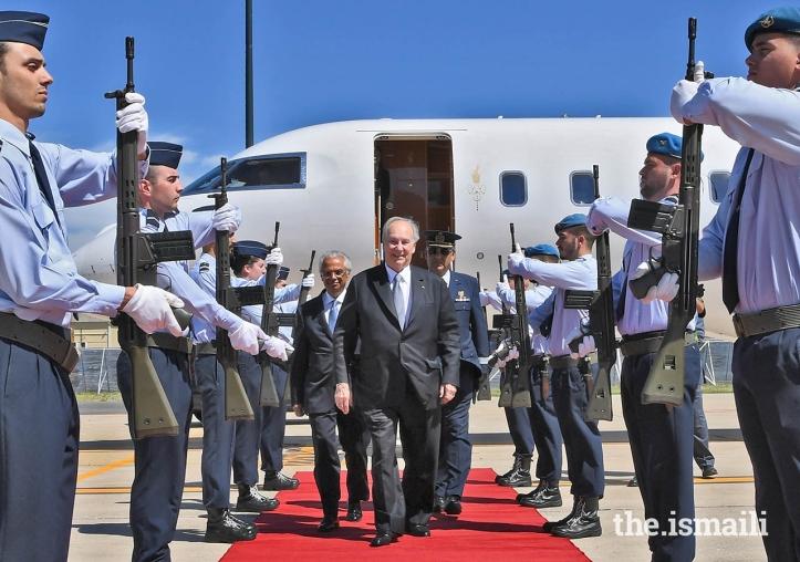 zr2_Aga Khan Hazar Imam arrival Lisbon airport July 6 2018
