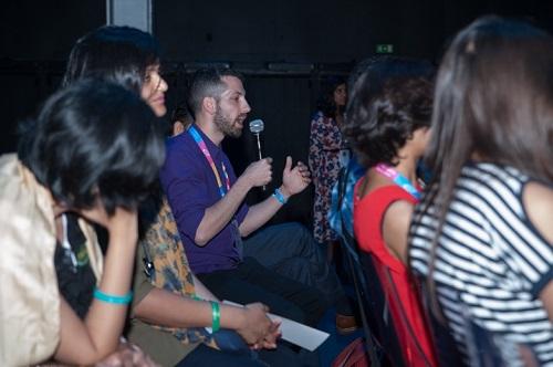 IAG Lisbon artist asking question