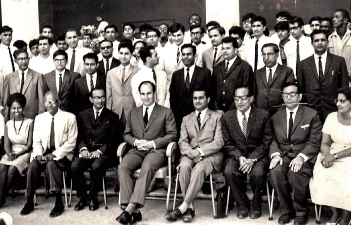 4 rare photos of His Highness the Aga Khan's visit to Dar es Salaam's Aga Khan Boys Secondary School