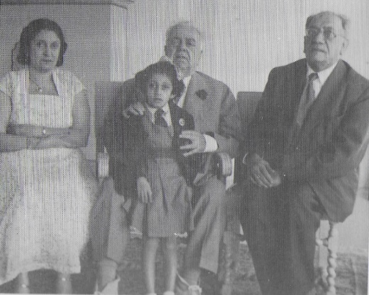 Aga Khan III Mawlana Sultan Mahomed Shah with Count