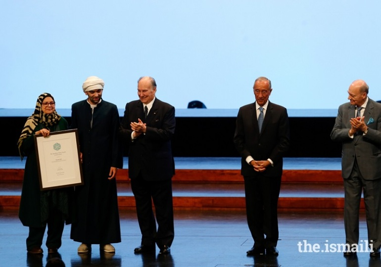 Mustafa Said receives the Aga Khan Music Awards in the Performance category in Lisbon on March 31, 2019