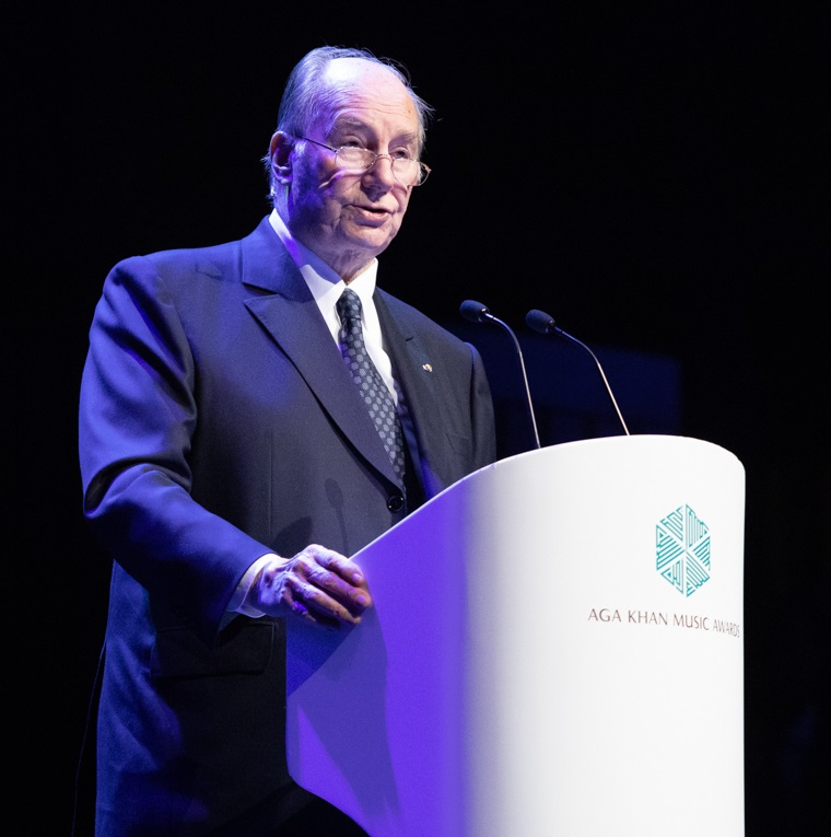 Aga Khan addressing lisbon-music awards ceremony-ah-22552