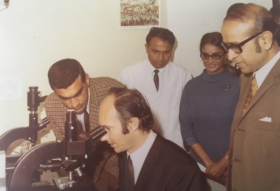 Jan Karmali photo collection of Aga Khan Barakah, Karim Aga Khan microscope