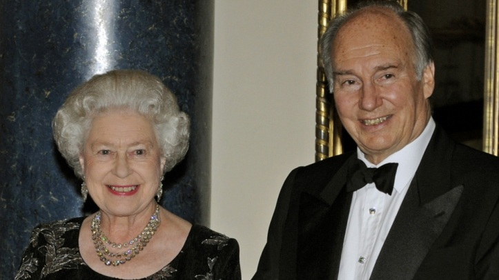 1573_Queen Hosts Aga Khan at Buc kingham Palace for his Golden Jubilee
