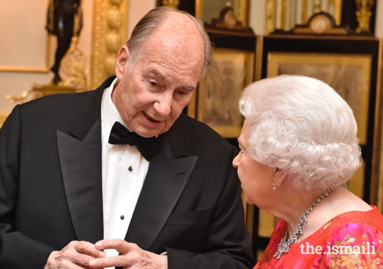 6mhi_Aga Khan with Queen Elizabeth at his Diamond Jubilee celebration at Windsor Castle