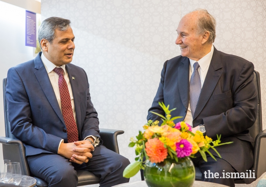 His Highness the Aga Khan in conversation with the High Commissioner of Pakistan to the UK, His Excellency Mohammad Nafees Zakaria