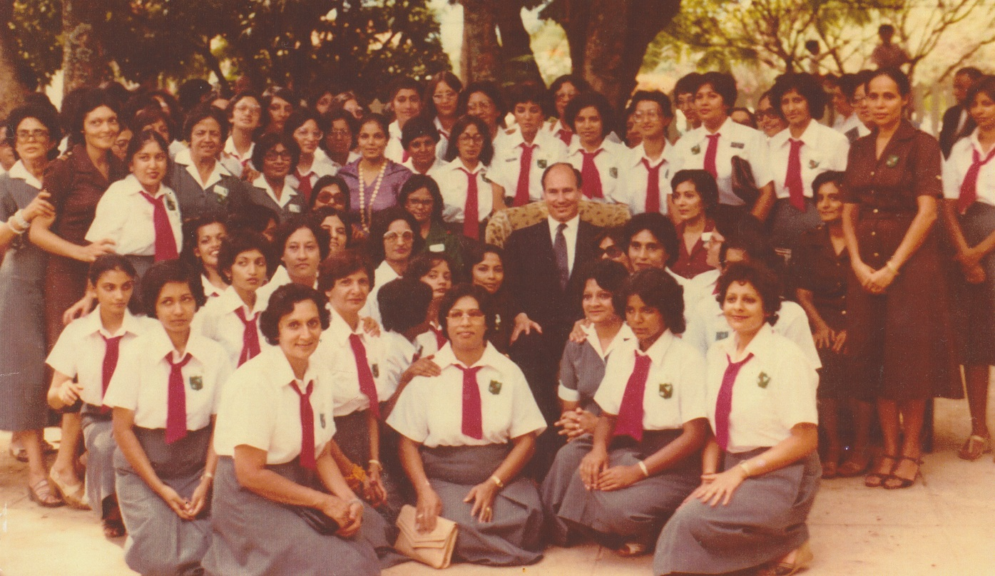Aga Khan with Kisumu Ismaili volunteers, Silver Jubilee 1982, Barakah and Simerg