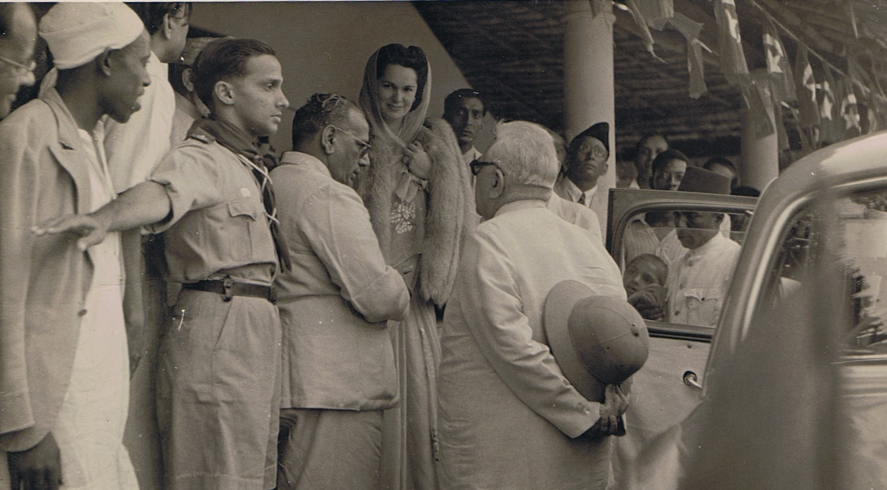 Aga Khan III at Muslim meeting in Mombasa with the Begum. Barakah.