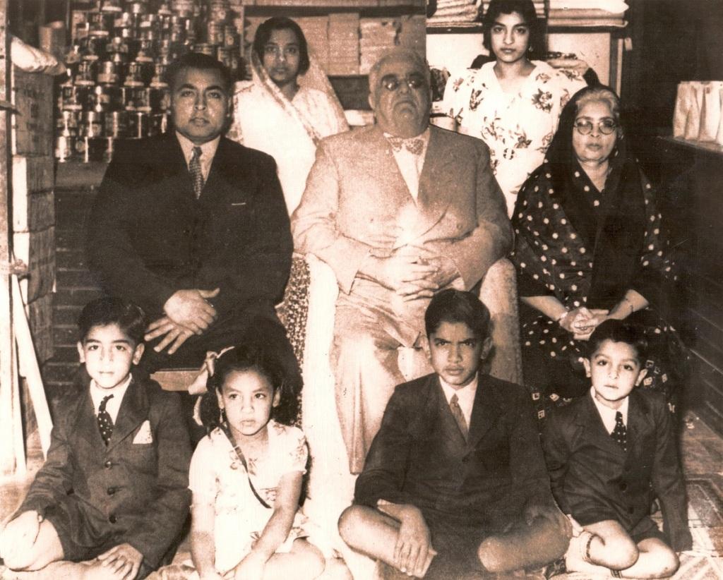 Mawlana Sultan Mahomed Shah, His Highness the Aga Khan, visits Khoja family shop in South Africa, Barakah and Simerg Photos