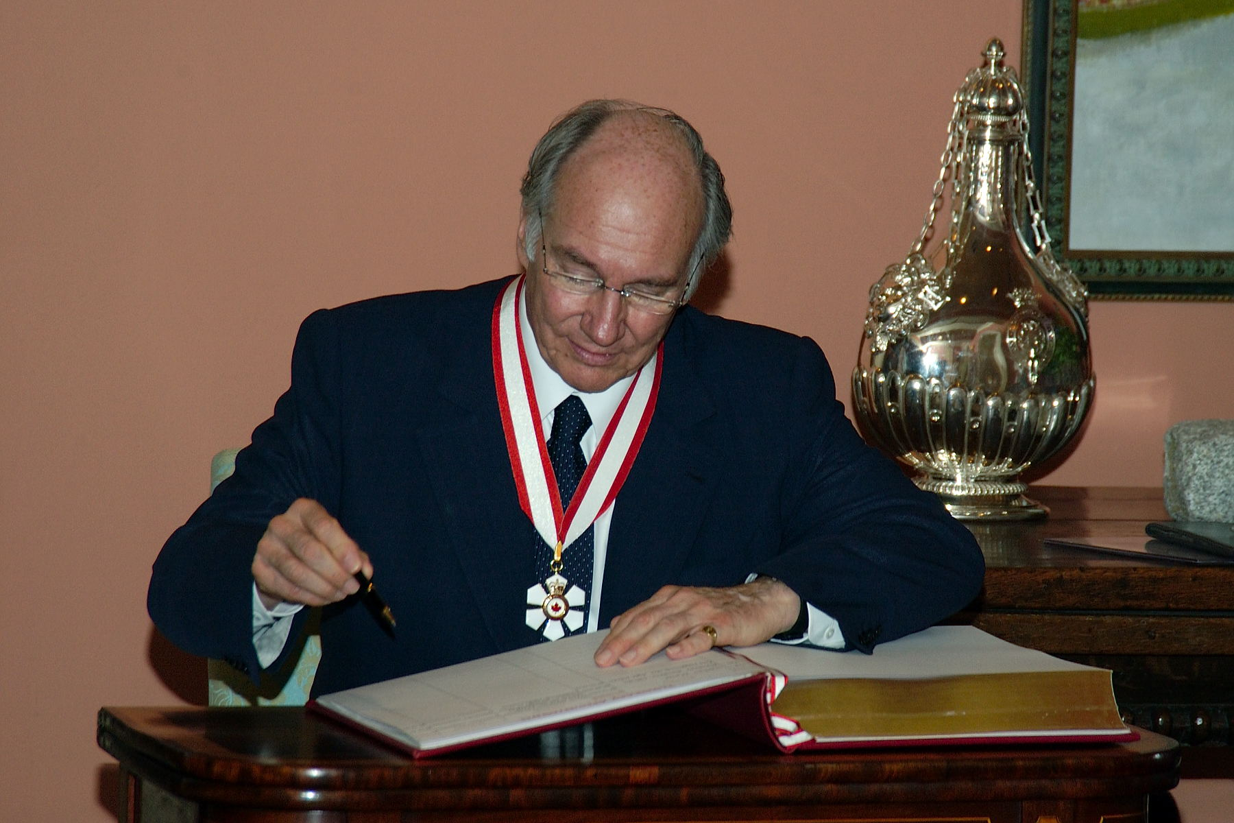 Order of Canada decoration to His Highness the Aga Khan Barakah and Simerg