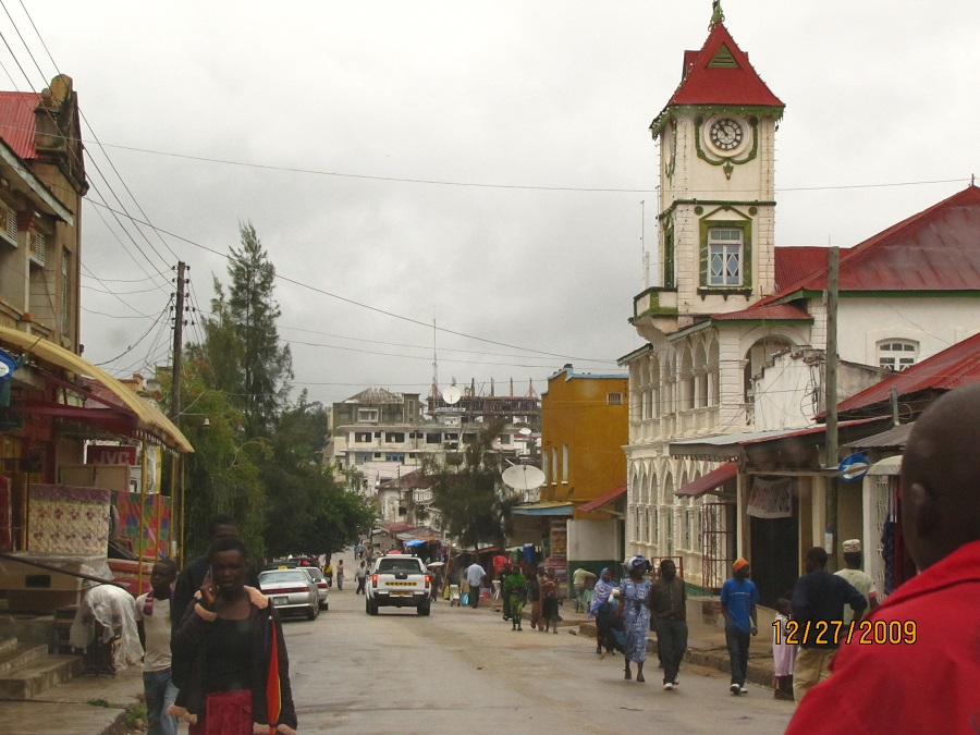 Iringa Street scene with Ismaili Jamatkhana standing out prominently.