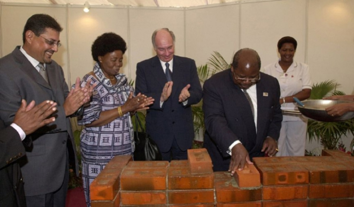 Aga Khan and Mkapa at phase 2 foundation ceremony of Aga Khan Hospital
