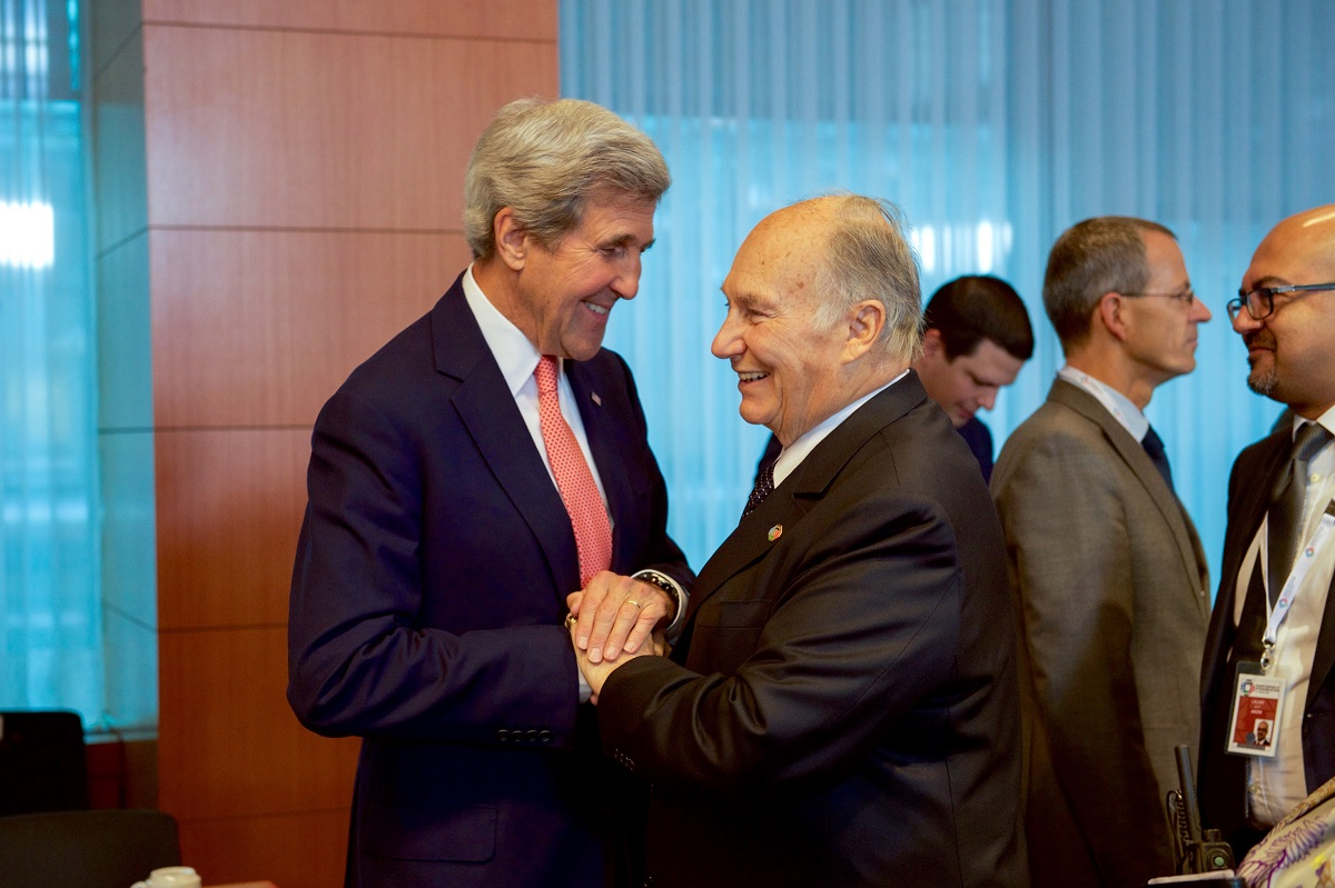 Flashback: Photos of Mawlana Hazar Imam, His Highness the Aga Khan, with  John Kerry, as President-Elect Joe Biden Names Former Secretary of State as  Special Climate Envoy