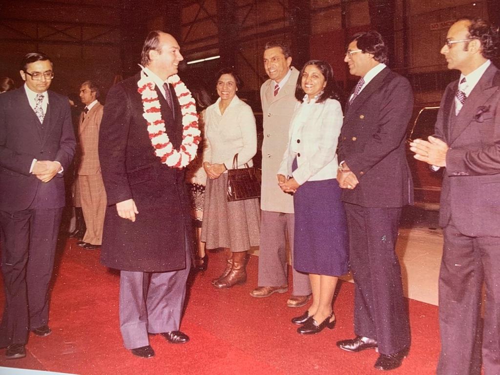Mansoor Ladha with His Highness the Aga Khan in Edmonton Canada 1978 Barakah.com
