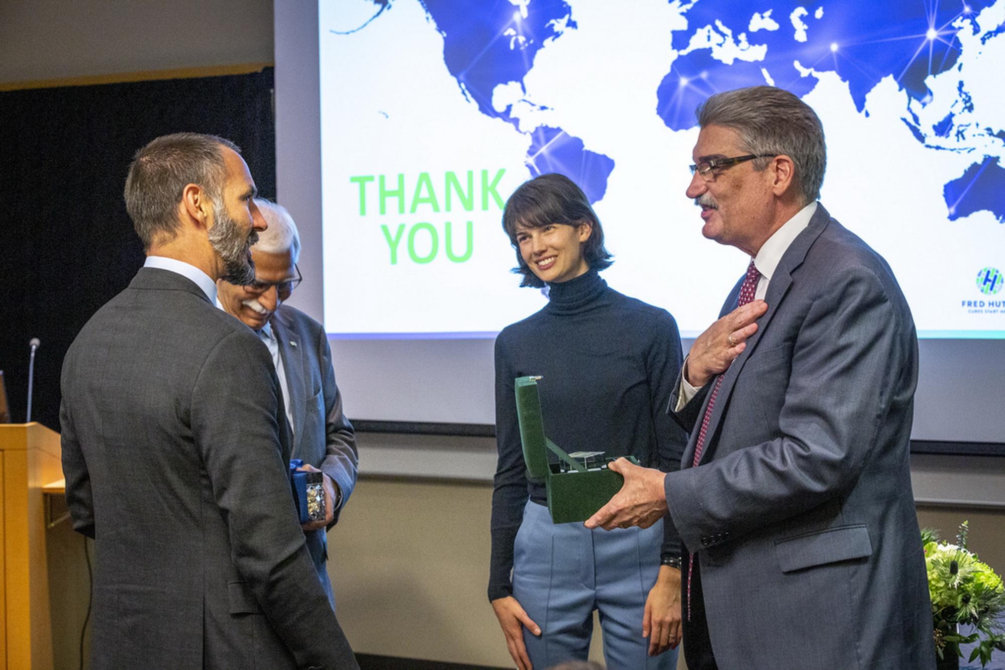 Dr. Gary Gilliland exchanges gifts with Prince Rahim Aga Khan  barakah.com tribute to prince rahim aga khan